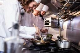 Vaga para Auxiliar de Cozinha em Refeitório no RJ