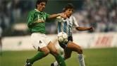 Arábia Saudita, 1992: sede da competição, que se denominava até a segunda edição como Copa Rei Fahd, a Arábia Saudita venceu a seleção dos Estados Unidos por 3 a 0 na semifinal, mas não conteve o ímpeto da Argentina, de Gabriel Batistuta e Ortega, e perdeu por 3 a 1 na final. (Foto: Getty Images)