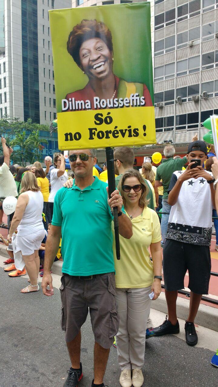 Resultado de imagem para classe média nas manifestações contra Dilma