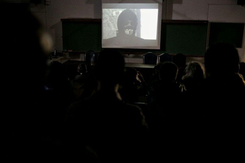 estudante em documentário República do Caos