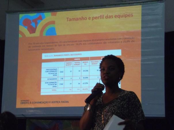 Raika Julie e dados da pesquisa / Foto Eliano Félix