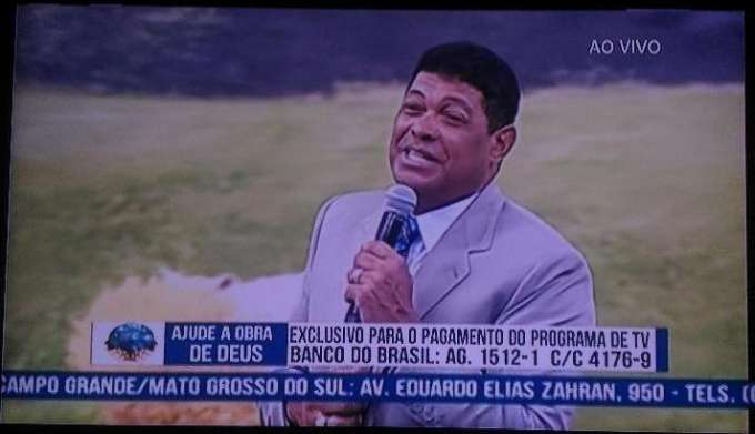 Valdomiro Santiago pede 1 mil para cada fiel e insinua que não confia em banco