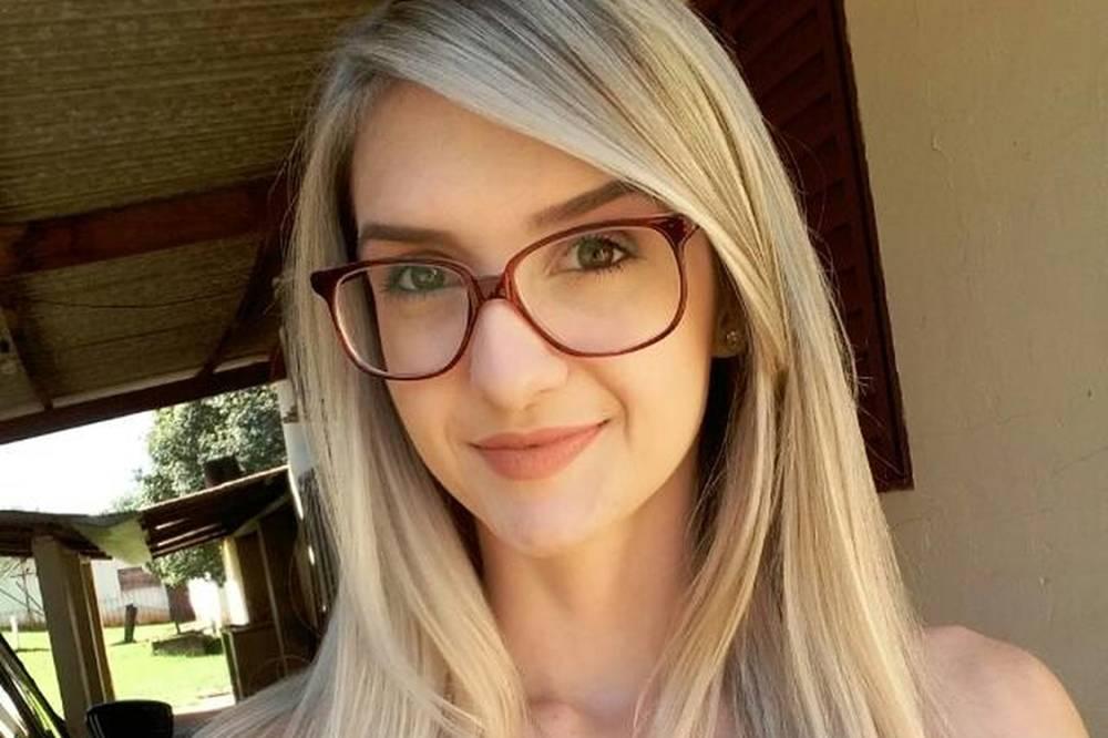 Kelly Cristina Cadamuro, jovem encontrada morta após combinar carona para viajar por um grupo de Whatsapp (Foto/Reprodução)