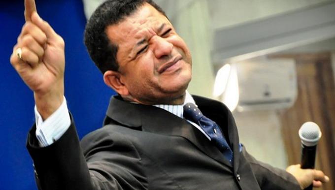 Pastor gay José Marvel Queiroz de Souza, autor da Bíblia Gay no Brasil. (Reprodução/Revistaladoa)