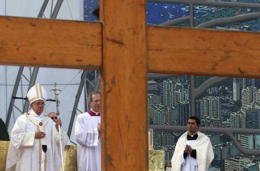 Papa vai entregar Cruz das JMJ a delegação portuguesa