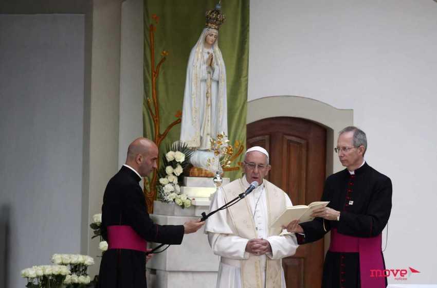 Igreja: Papa evoca Fátima e exorta à recitação diária do terço