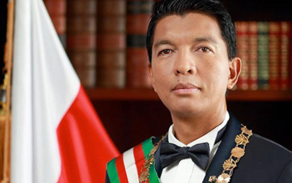 PRESIDENTE DO MADAGÁSCAR RETIRA SEU PAÍS DA OMS