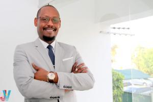 ECONOMIA: ELTHON CHEMANE FAZ MOÇAMBIQUE BRILHAR NO UGANDA - Portal de notícias e actualidade informativa de Moçambique e do mundo