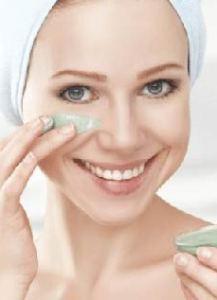 طرق طبيعية لنفخ الخدود وتسمين الوجه