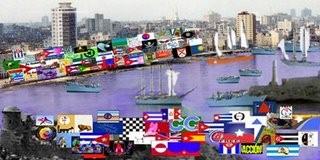 Las banderas en el Malecón.