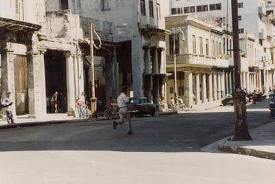 La respuesta del pueblo cubano en EL MALECONAZO. Inéditas, aportadas por Aguaya Berlín.