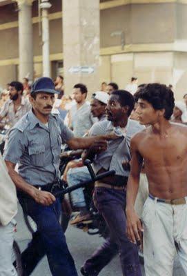 La represión de la policía castrista, y la respuesta de los cubanos de a pie...Inédita en el Blog Desarraigos Provocados.