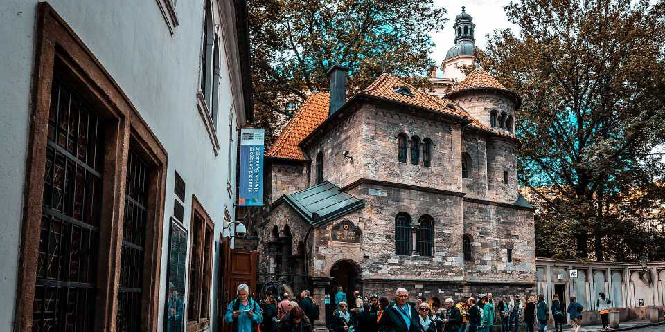 Live your Life - descubre Praga - Klausen synagoga