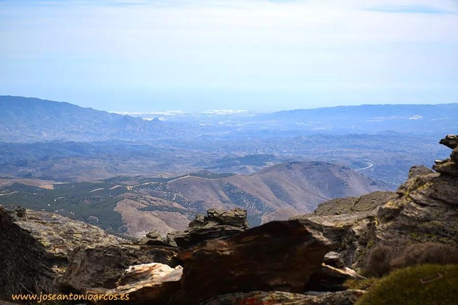Invernaderos de Almería desde Calar Alto, en la Sierra de Los Filabres