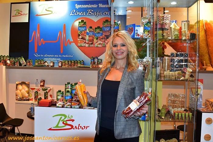 Laura Martín, de Biosabor, con Sweet Palermo rojo y amarillo.