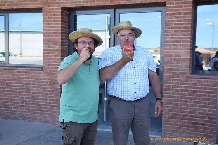 Mordiendo manzanas en Soria en Nufri SAT.