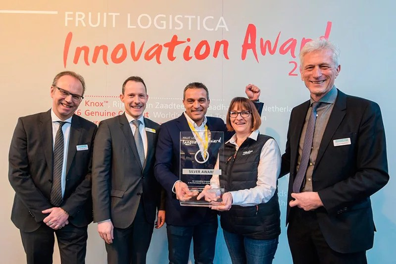 FRUIT LOGISTICA INNOVATION AWARD 2018 - Silver Award: Adora - HM Clause Kaasten Reh, Division Manager Events + Awards, Fruitnet Media International; Wilfried Wollbold, Global Brand Manager, FRUIT LOGISTICA; Manuel Ferrer; Véronique Lafanechère; Robert Broadfoot, Managing Director, Fruitnet Media International (l.t.r.)