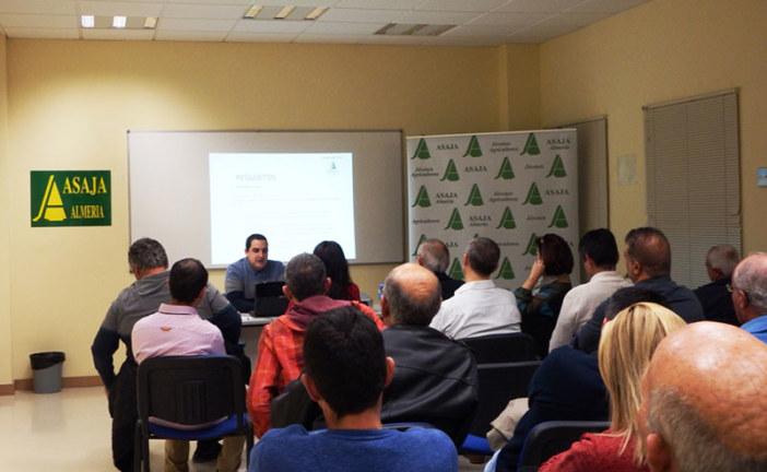 Asaja-Almería recorre comarca a comarca para dar abrigo al sector