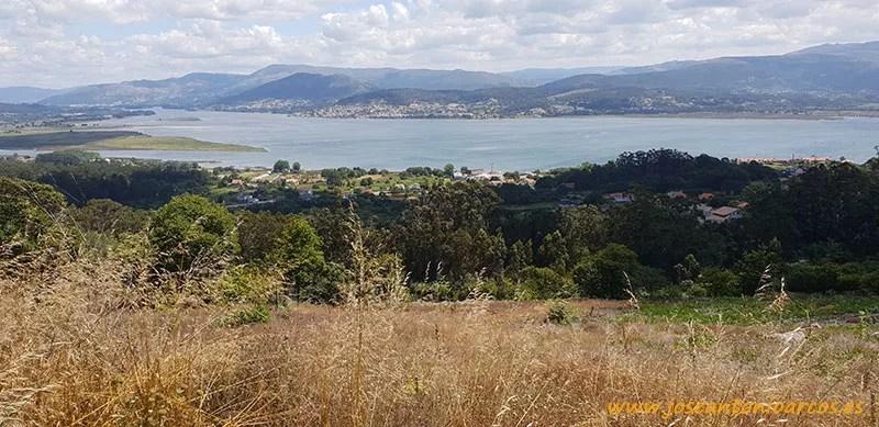 El Río Miño entre España y Portugal fotografiado desde Galicia.