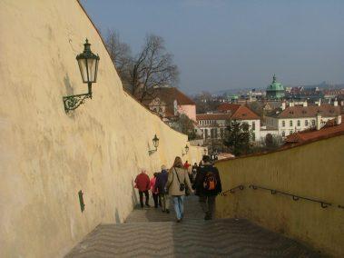 Praga, escaleras al castillo