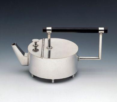 Tetera diseñada por Cristopher Dresser2.