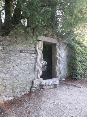 We took some time in the rock close, the domain of the Blarney Witch.