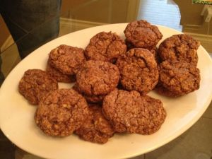 And these equally tasty cookies that Akemi insisted were healthy because they contained oatmeal and walnuts.