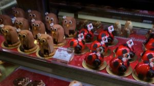 Sebastien Bouillet owl and ladybug cakes (contain no actual owl or ladybugs).