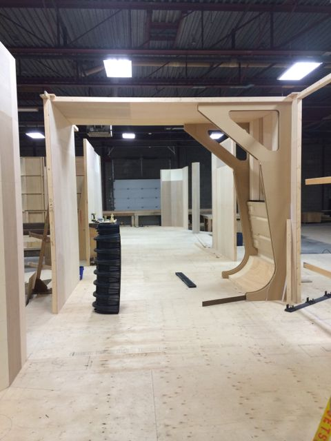 November  6, 2014: Talking Dark Matter With Watchplayread!  Construction Continues Apace!