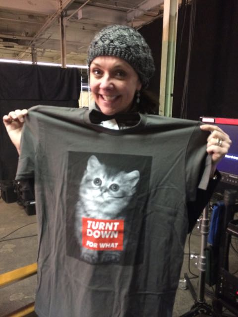 February 19, 2015: A Casting Hint!  Cat Shirt Thursday On Shaofu 2!