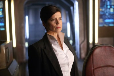 May 31, 2017: Dark Matter Season 3 Global Premiere Dates! Teasers!  And Episodic Stills!