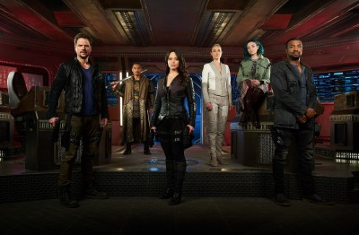May 16, 2017: Dark Matter Season 3 Promotional Photos – And Teasers!