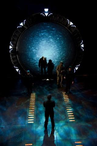 Stargate-universe-12