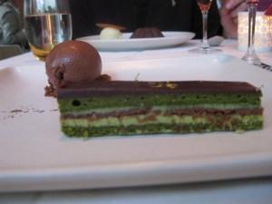 Green tea opera cake