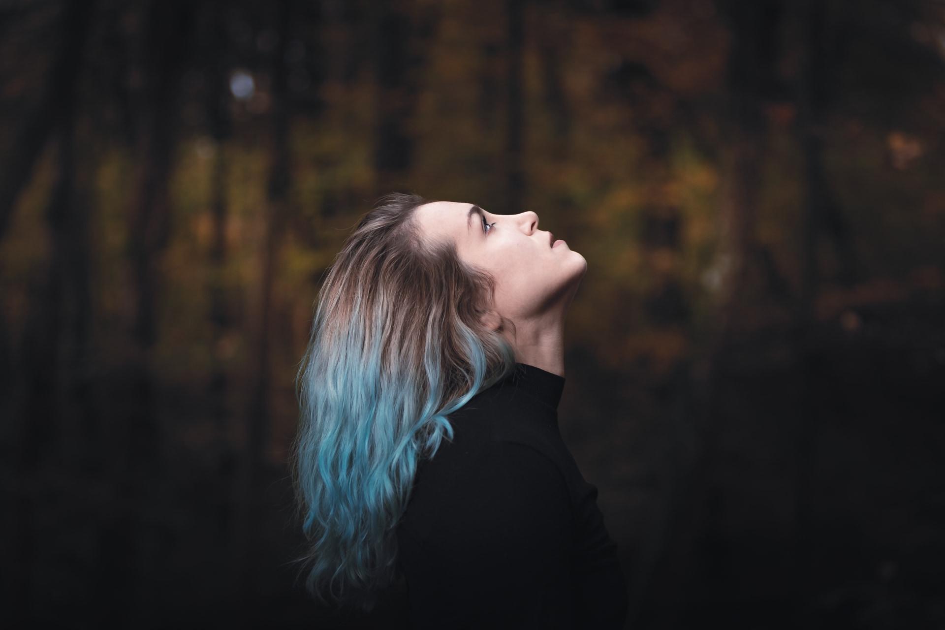portrait en forêt en automne