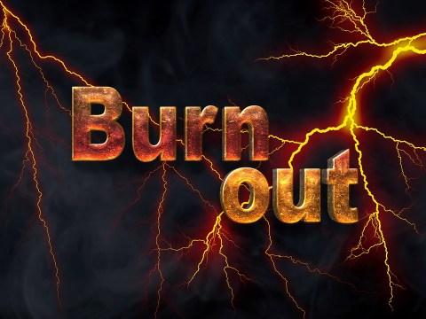 imagen en la que aparece la palabra burn out entre rayos.