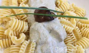 pasta decorada con cebollino
