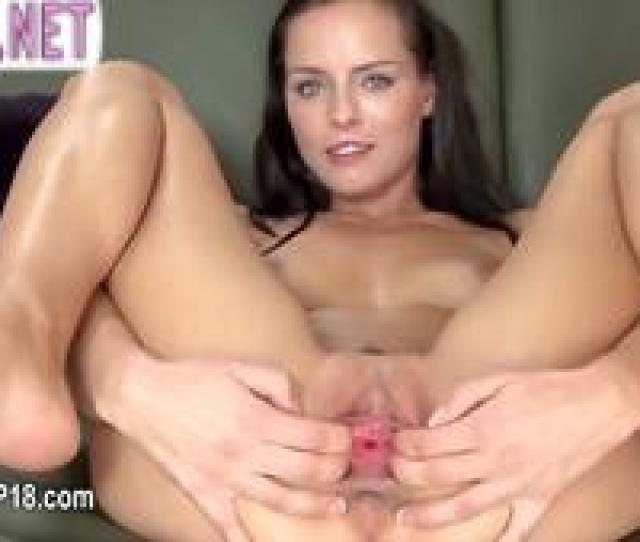 Extreme American Put The Speculum In Pussy