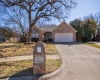 301 Cecile Court, Arlington, Texas 76013, 3 Bedrooms Bedrooms, 9 Rooms Rooms,2 BathroomsBathrooms,Residential,For Sale,Cecile,14526771