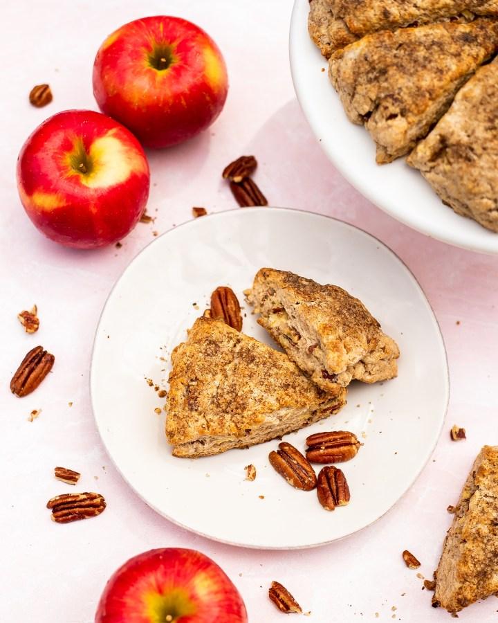 apple pecan scones