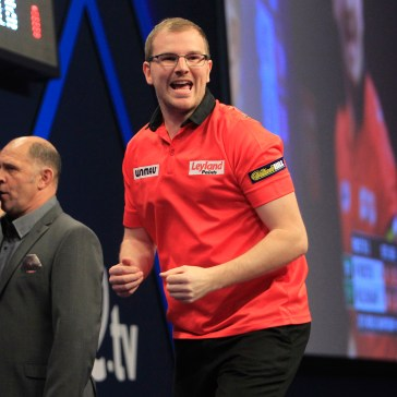 WILLIAM HILL WORLD DARTS CHAMPIONSHIP 2015 PIC;LAWRENCE LUSTIG ROUND 1 MARK WEBSTER V RON MEULENKAMP MARK WEBSTER IN ACTION