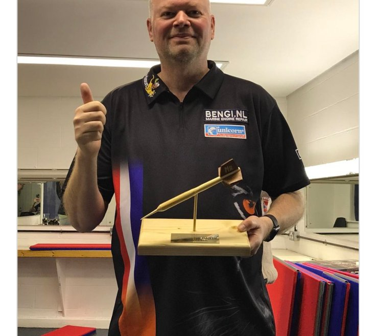 Barrneveld Cambridge Darts Masters.jpg