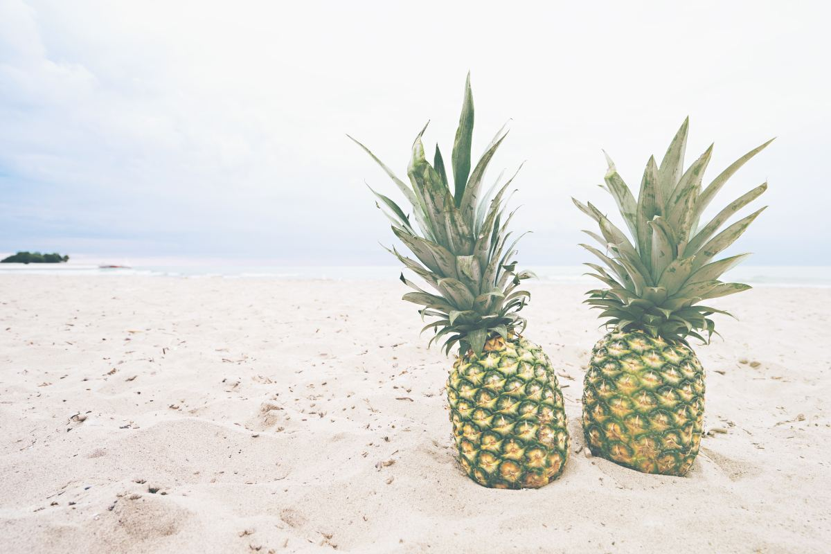 two-pineapples-on-baeach