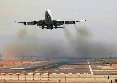 aviation airplane pollution