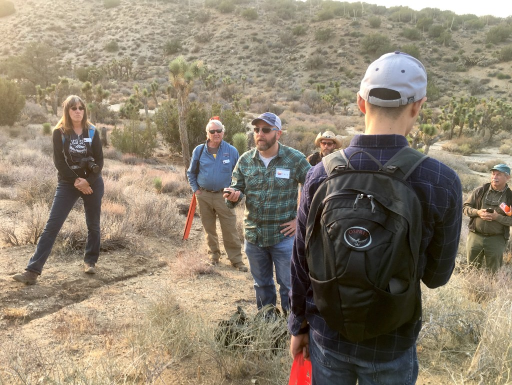 Chris Smith explains the survey protocol to volunteer leaders. (Photo by Jeremy Yoder.)