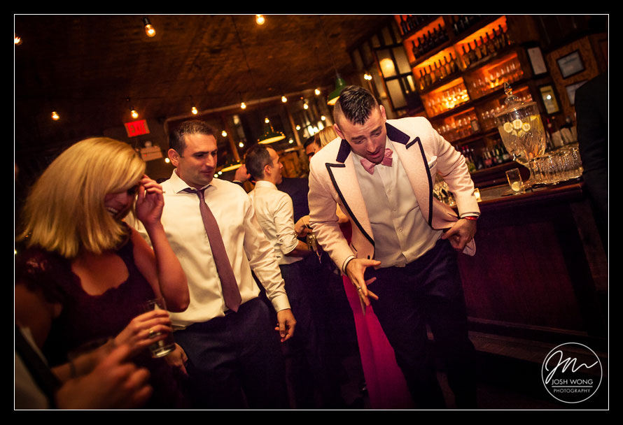 A Brooklyn Winery Wedding. Pictures by Brooklyn Wedding Photographer Josh Wong Photography