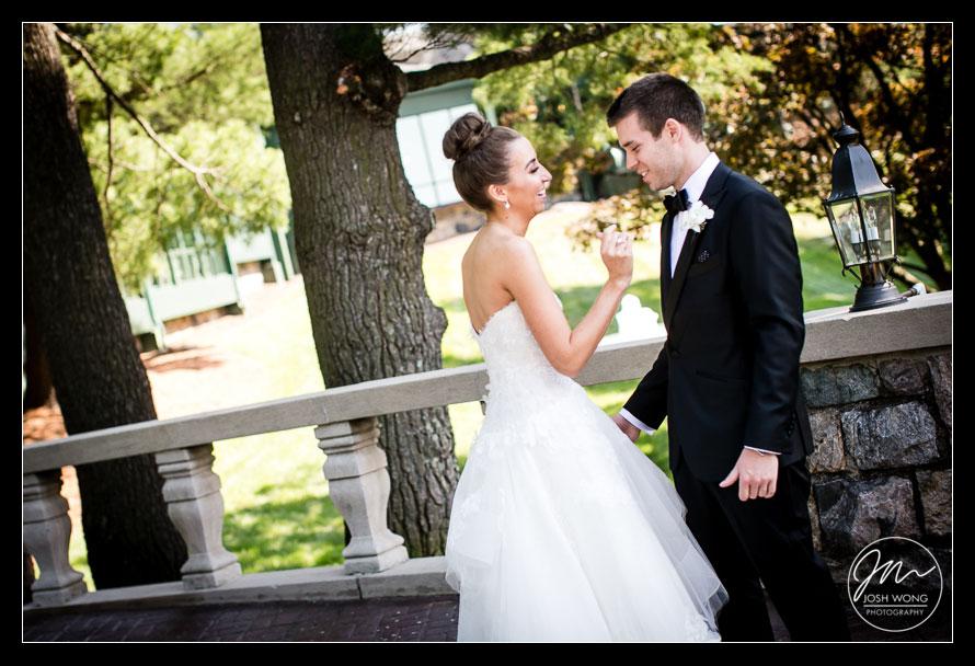 first look. Wedding photos by Tappan Hill Wedding Photographers Josh Wong Photography