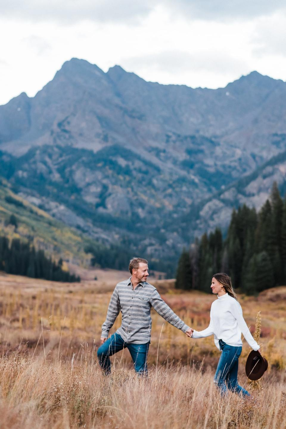 Colorado Engagement photos in fall