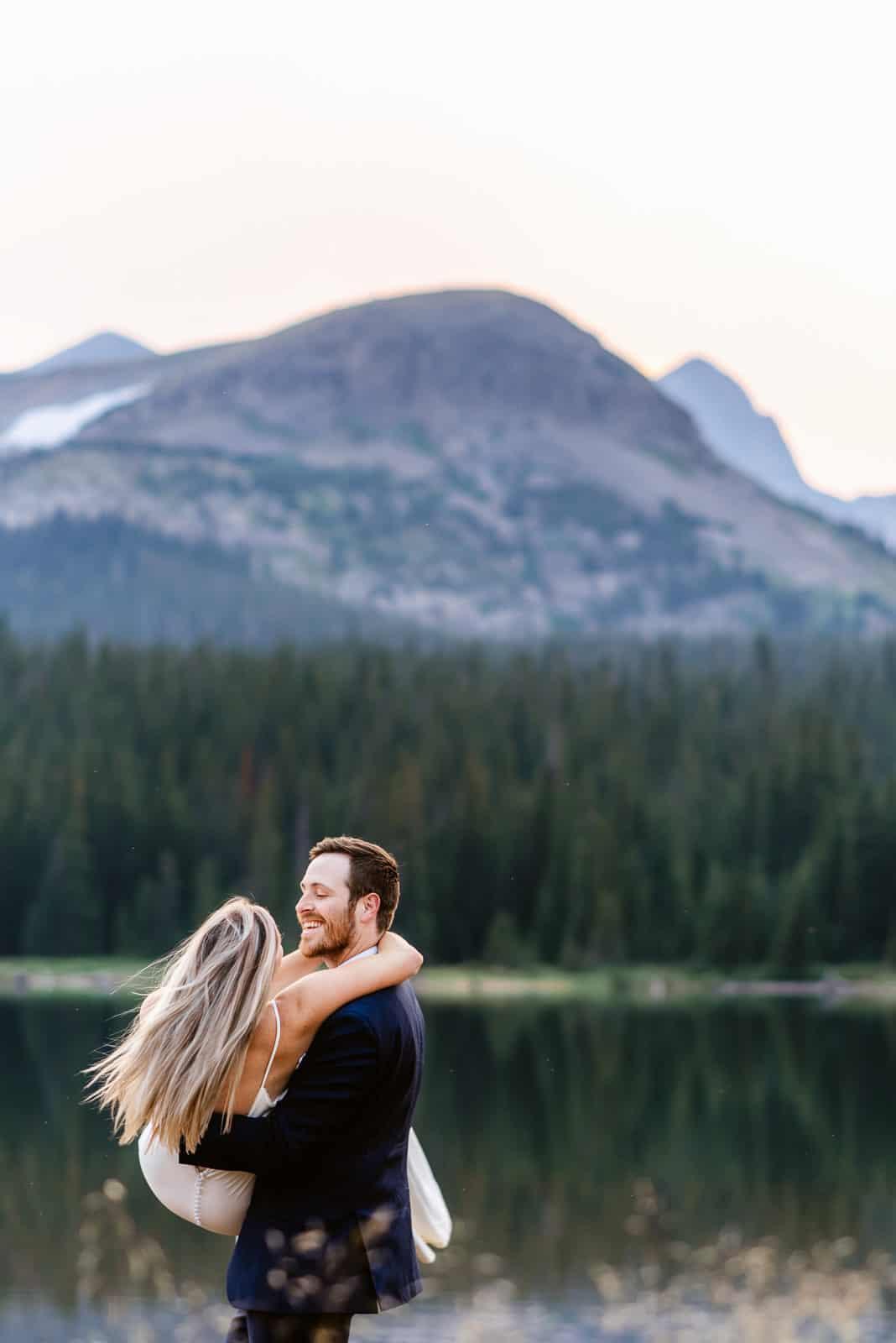 Fun Colorado Elopement ideas | Josie V Photography