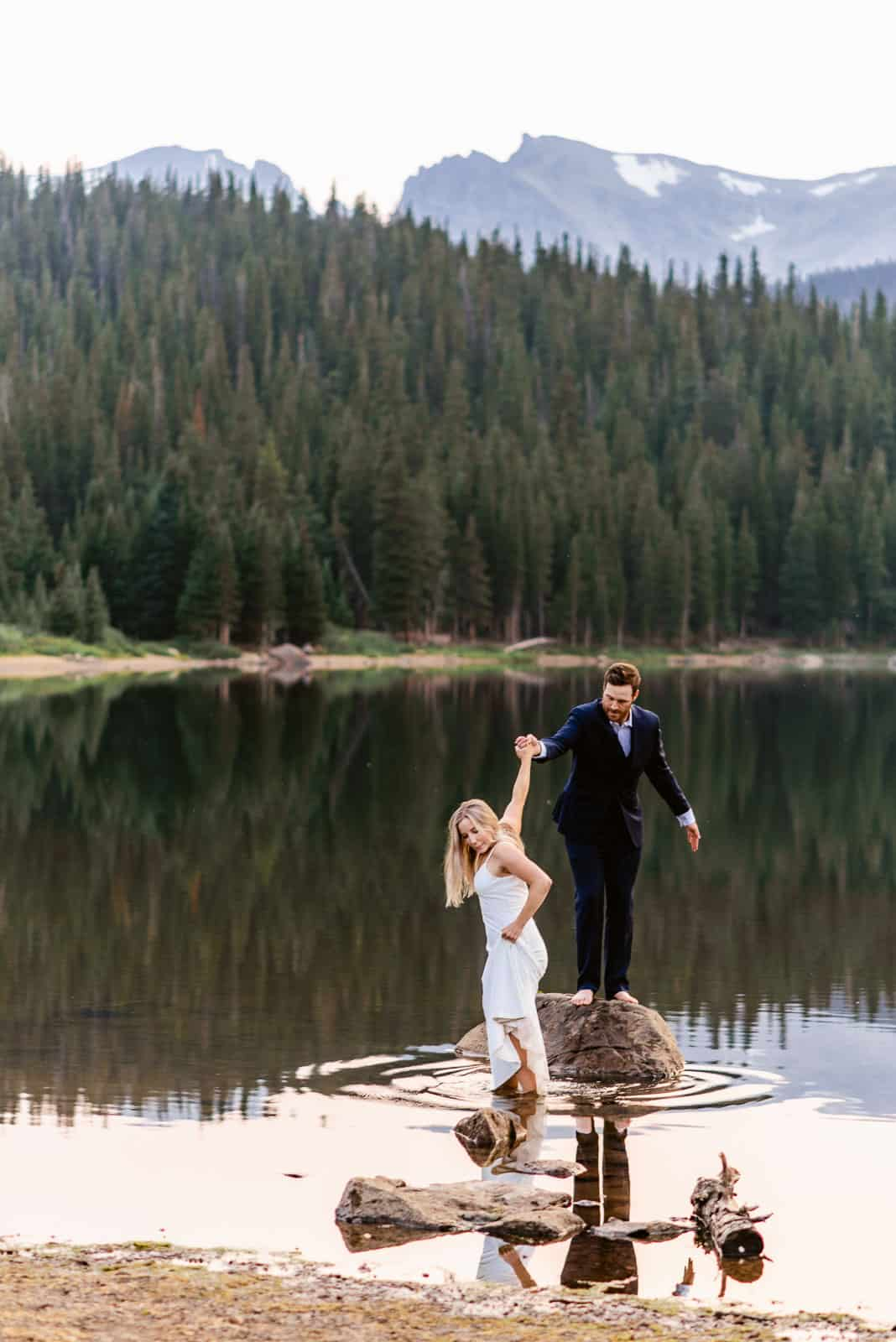 Adventurous Colorado Elopement Ideas | Josie V Photography